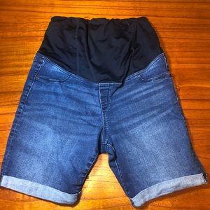 Isabel maternity Bermuda jean shorts